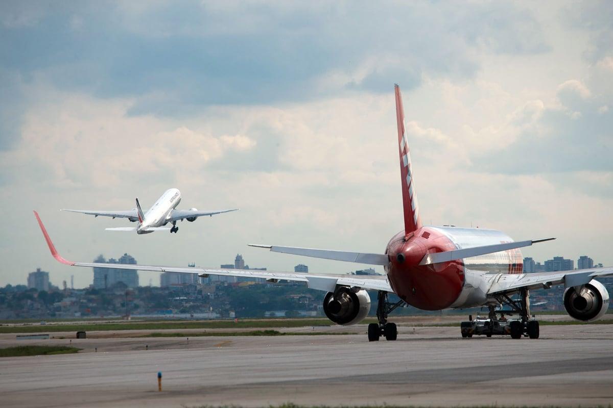 simultaneous, takeoff, landing,